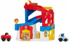 Fisher-Price (DFP26) Parkkitalo Little People Race and Chase Rescue